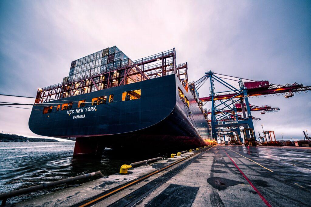 Descarga de barcos